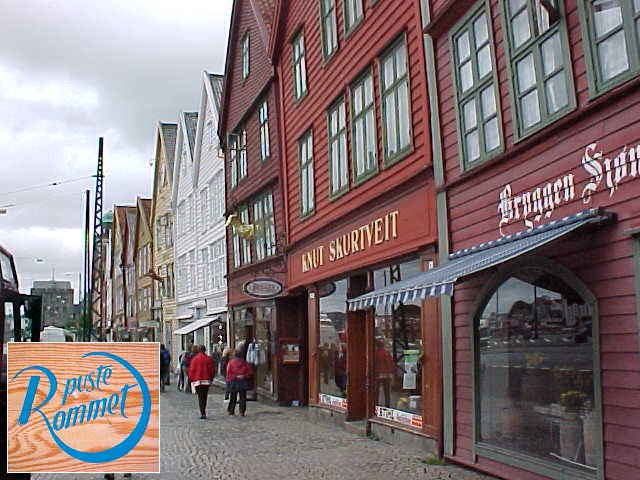 On the harbour street Bryggen, known for its wooden buildings, I had my free massage!