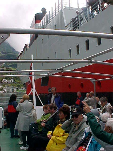 To get ashore in Geiranger, a smaller boat got connected onto the Midnatsol steamer.