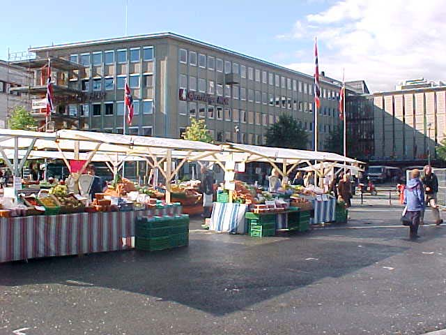 ... but soon the weather got better. The market was out on the square.
