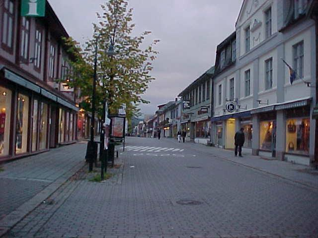 A shot of the real main street of Lillehammer, around 7 pm.
