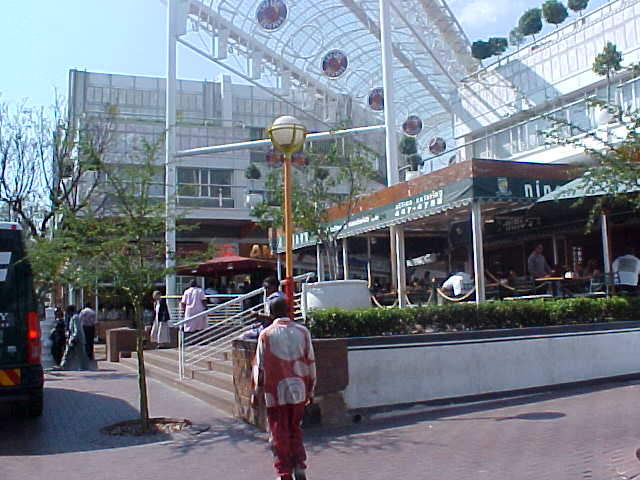 Rosebank Park, a mall like I would not expect a mall in South Africa. Pretty ordinary, like in any other country?