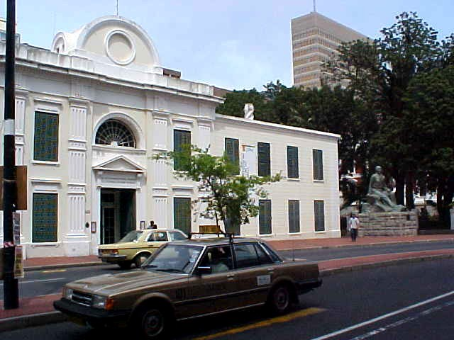 The Natural History Museum of Cape Town used to be an old slave lodge of the Dutch East India Company (VOC). It was a single storey building with a courtyard, and also housed criminals and the emotionally disturbed. Approximately six hundred slaves were housed in this building at a time.