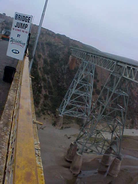 We even passed this 65 meters bridge, where I could have tried to go for a bungee jump. The sign said that it was open 7 days a week, but nobody really showed up... Sorry guys, missed me there.