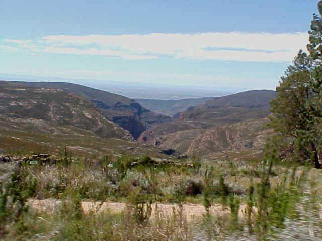 And it is hard to believe, but this was eventually way on top of the mountains. I came all the way from the desert area in the back (Big Karoo) and started hitchiking somewhere down below these cracks...