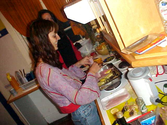 Megan and Lauren are preparing a 7 persons dinner tonight.
