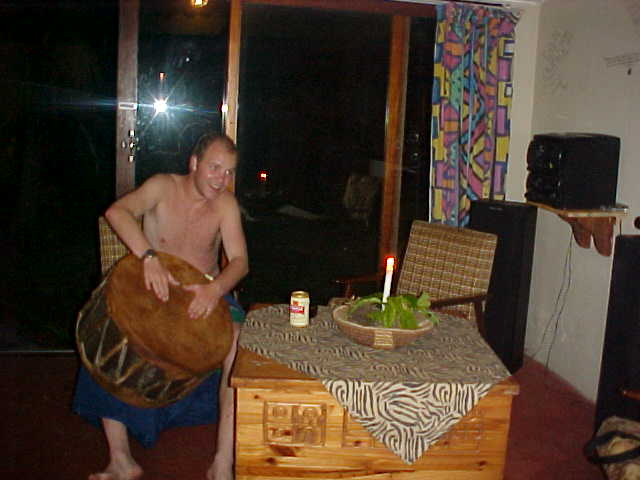 I thought, Lets give it a try... But I am not that succesfull on the African drum...