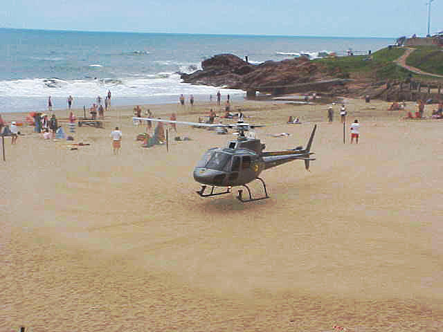 Believe me, a lot of sunbathers had to wash of the sand of the skin after the landing.
