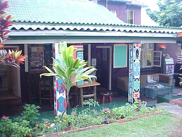 Splendid weather at the moment of arrival at the Tekweni Backpackers Hostel in Durban.