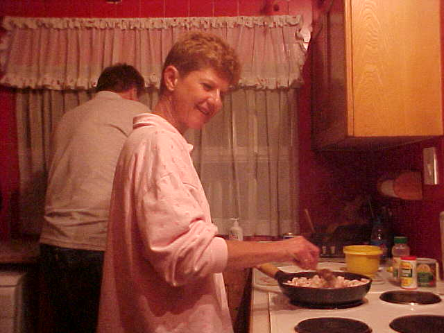 When everybody was dry again, mother Colleen prepared us dinner.