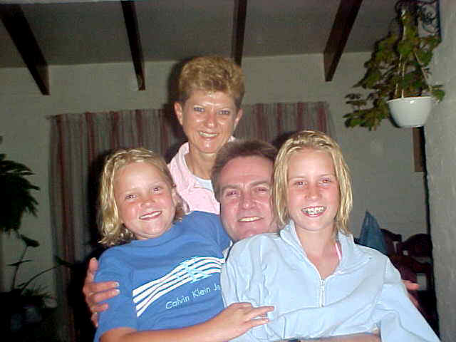 Family time! The complete Oosthuizen family together. Now where is that camera shyness now, ladies?