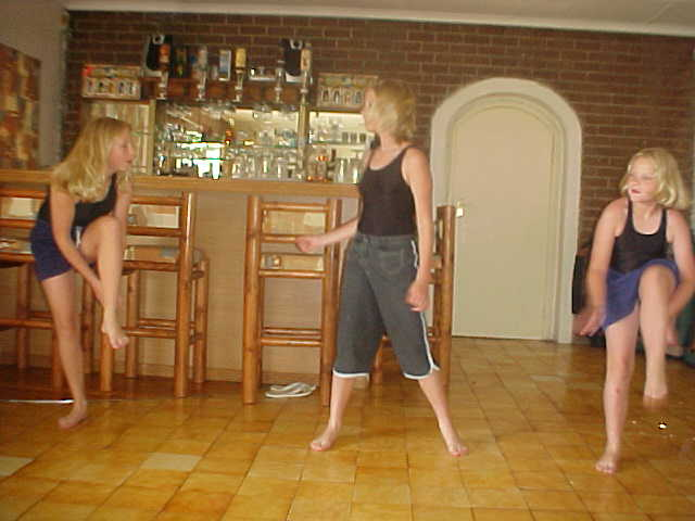 Colleen and I had a drink at her friends house and at a certain moment I was asked into another room (an inhouse bar) to watch them perform a dance show they had been practicing.