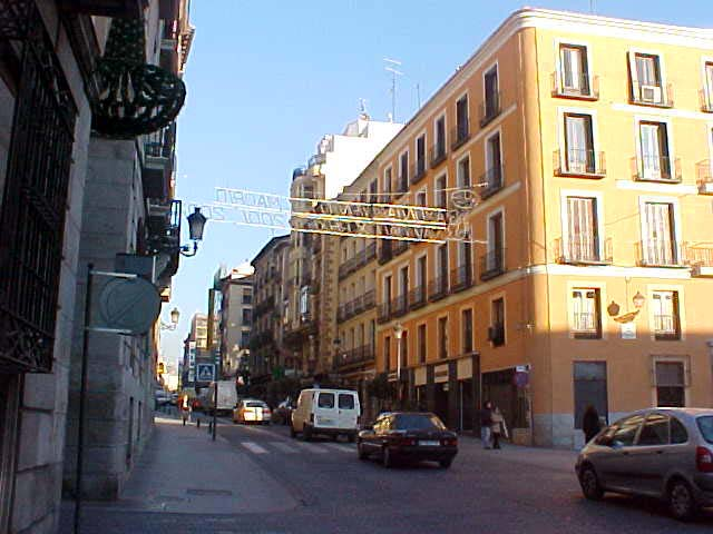 Calle Mayor, walking towards the Plaza Real.