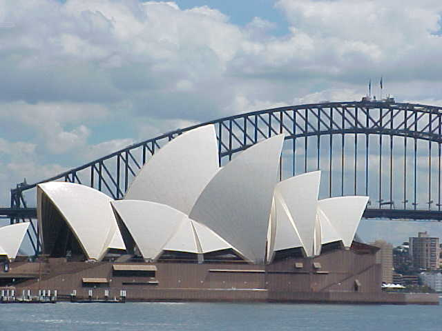 Mwohaaa! The Opera House up close!