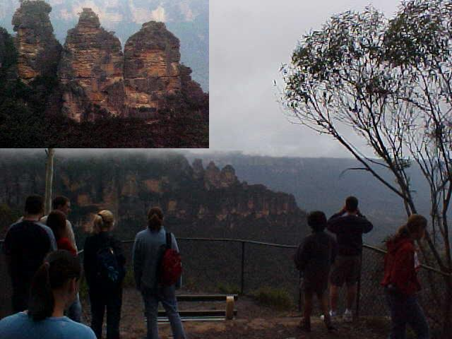 At the first stop on the bus I got to see the Three Sisters as they are without misty clouds arround them.