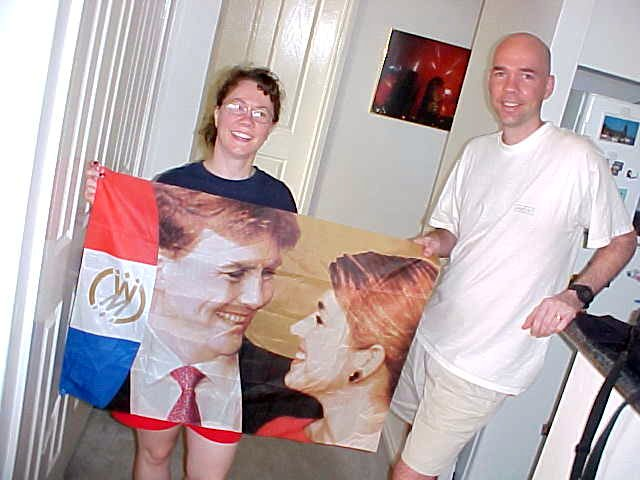 From my previous hosts Nan and Frans, Kathey and Russell received a present in the form of the official wedding flag with crownprins Willem Alexander and his wife Maxima.