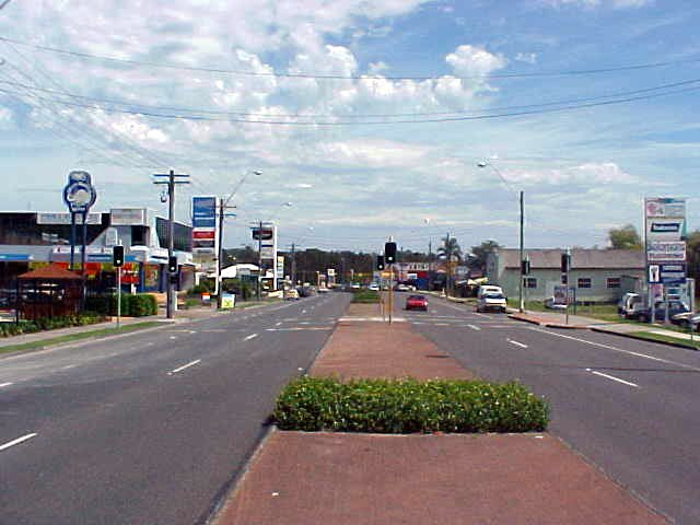 In the afternoon I dared to go out and hit the main street of Erina. Even though it was over 35 degrees Celsius...