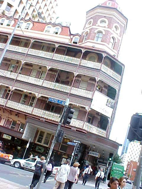 Back in the city of Brisbane: the Backpacker Palace!