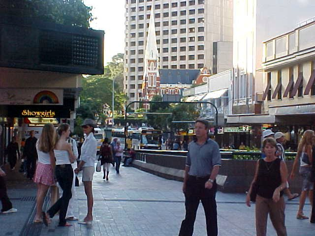 In the city centre I walked through the Queens Street Mall, an intriguing place. Lots of people, lots of activities.