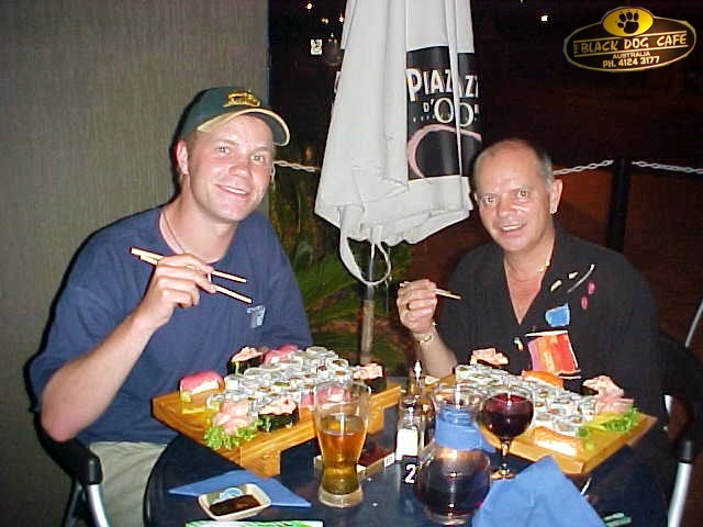 We sat outside on the terrace, enjoying this great fish Japanese food, and talked a lot. About politics, travelling, the world, our society, etcetera.
