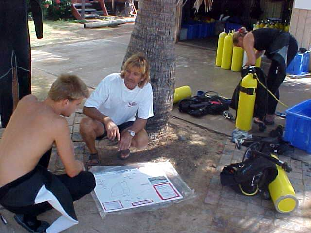 The dive school situated at Coconuts taught some backpackers about the reefs around the island.