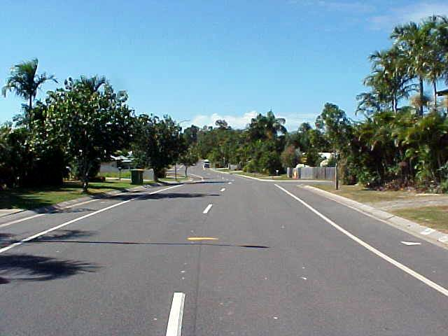 However the suburb of Kewarra Beach is like any other suburb. Working people, nobody there, nothing to do...