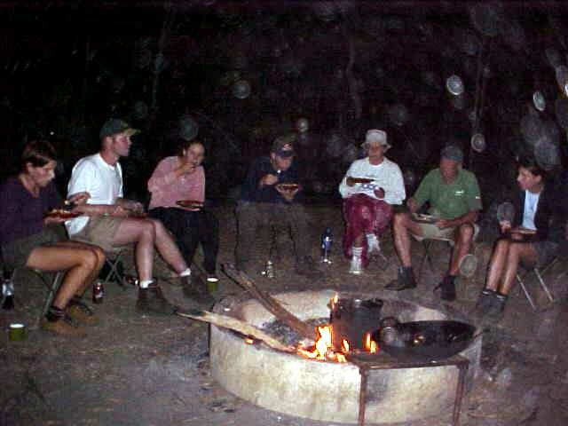 How comfy! No streaming water, no electricity, no television, no internet, only us all together. Telling stories untill the flames of the fire died.