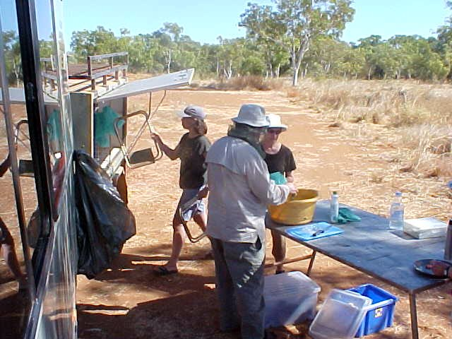 Before heading onto the 53km dirt track to the Bungle Bungles National Park, we had a lunch break along the road. Some people could not stand the flies around us and wore their fly nets.