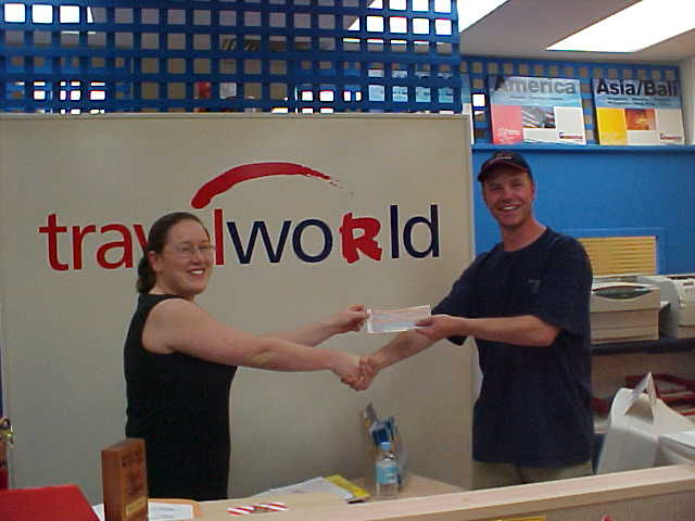 Me at the Travelworld agency in the Karratha shopping mall. Josie Wright is the girlfriend of Ben who fixed my laptop earlier today. Here she hands me a free ticket to Perth on Monday!