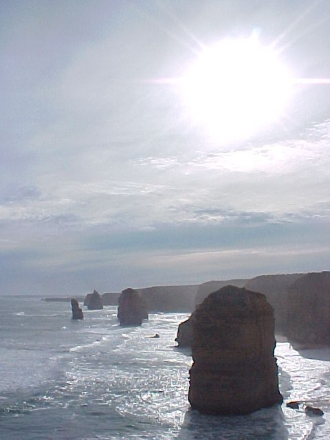 May I present you in bright sunlight: The legendary Twelve Apostels rock formations!