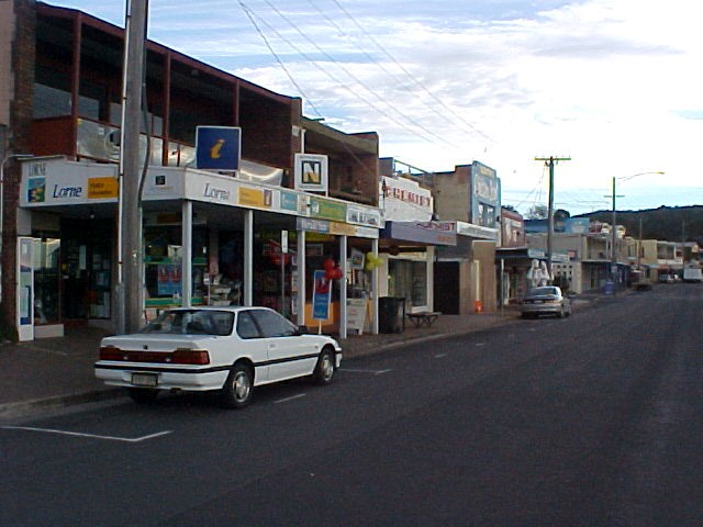 We had our last stop for the tour in the quiet little town called Lorne...