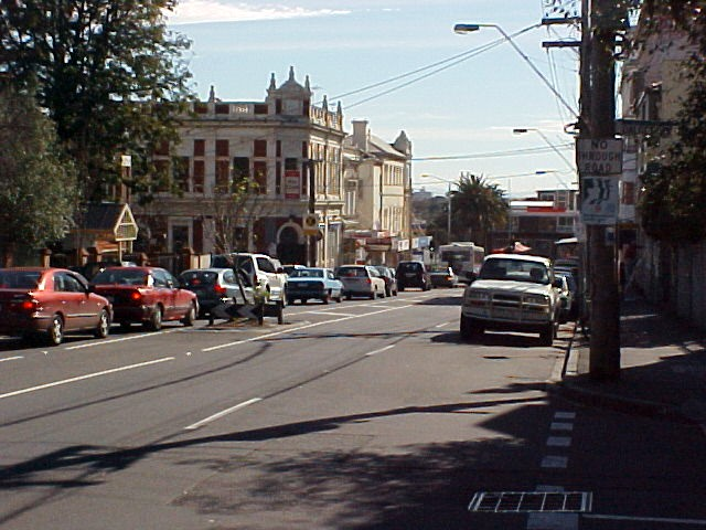 After a no-paying trip on a tram I ended up in the south central suburb St. Kilda. The sight from Grey Street.