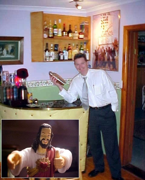 After dinner Karl shows me his own bar, where he shakes a cocktail. It is full of kitschy stuff, too. Like here: Buddy Jesus (anyone seen that great film Dogma?)