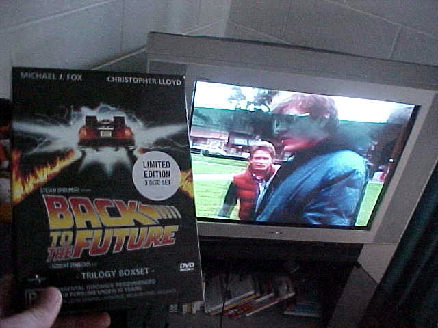 NO WAY!!! YOU HAVE THE BACK TO THE FUTURE DVD-COLLECTION!??? dave!!!