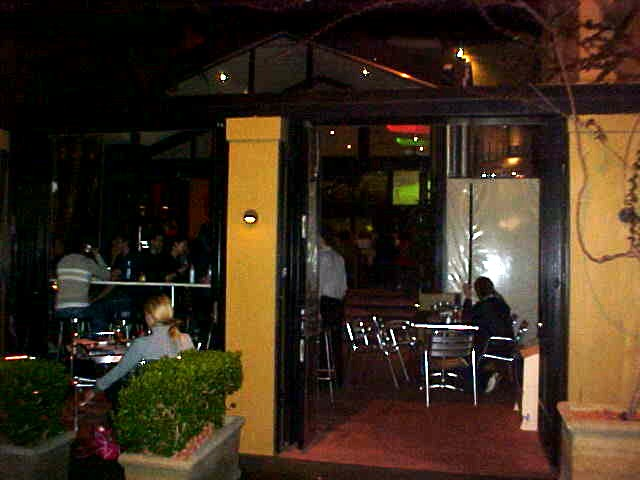 To keep their life easy too, I was taken along to a comfy steak restaurant down the Surrey Hills suburb of Sydney.