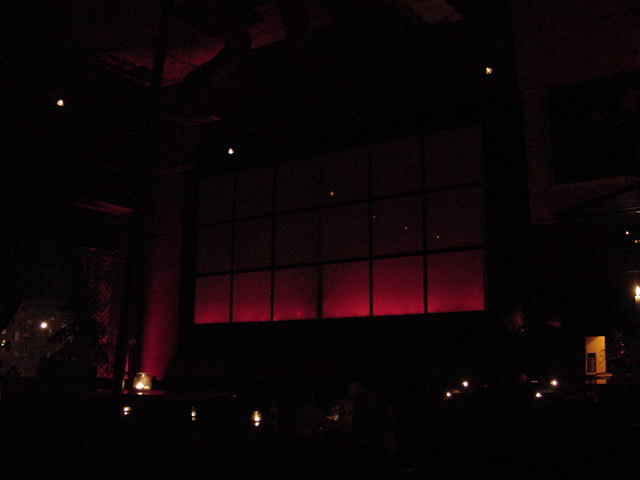 Talking about cosy atmosphere. This is the inside of the Vibes lounge. Dimmed red lights and lots of candles. And imagine the deejay playing mellow tunes...