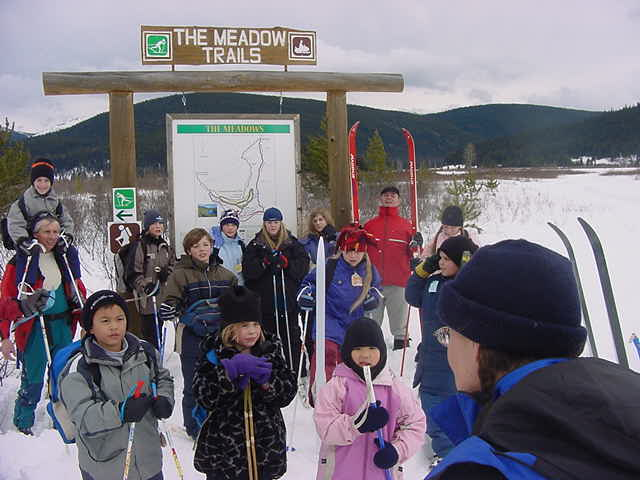 Thomas and I  were invited to join a schoolclass in next-door Wells in their cross country skiing trip.