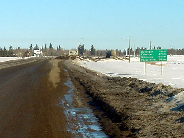 Peace River is way up north, 124km as you can see. My destination, Hay River, is not even mentioned here.