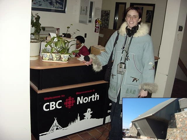 My third lazy day in Yellowknife was filled with an interview with the CBC radio, the northern edition. Erin from the Breakfast show had a recording with me outside.