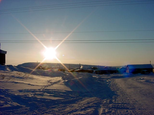 Kugluktuk gets more and more charming when the shadows grow longer.