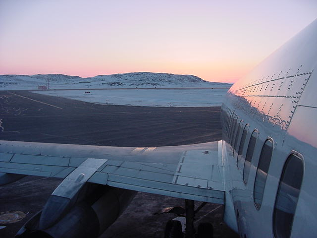 Around 6.30 I boarded this B737 plane from Canadian North that would take me from Iqaluit to Ottawa.