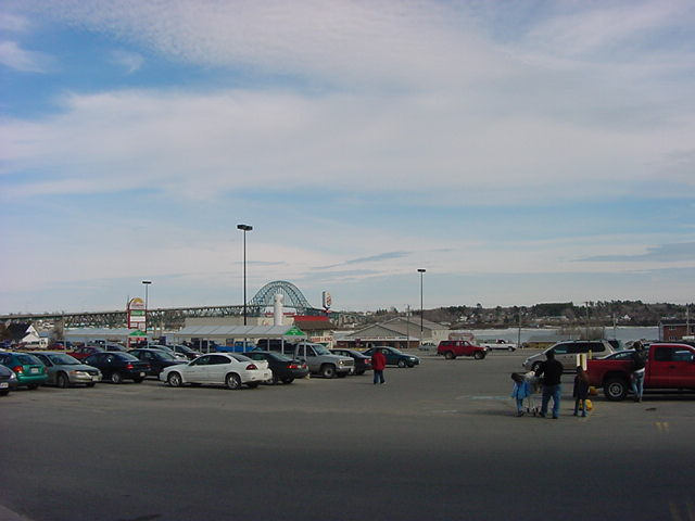 At the Bridgeview Plaza shopping mall in Miramichi I contacted my host in this town.