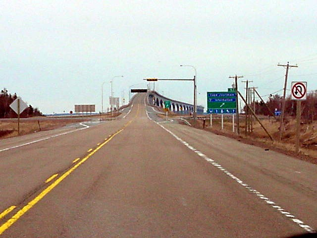 And there I went, over the 13km long bridge to the smallest province of Canada, to Prince Edward Island. This is where the Confederation of Canada all started!