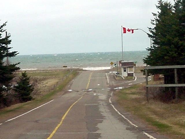 And here we enter a little national park on the north shore of the island.