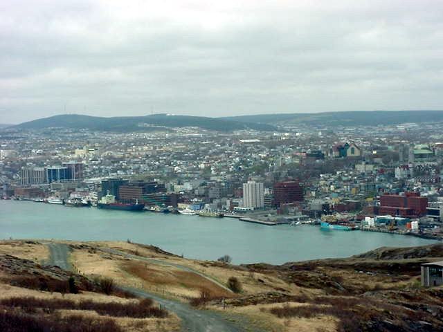 Karl and Sherri drove me up the hills north of the downtown area, where I got this great view overlooking the harbour.
