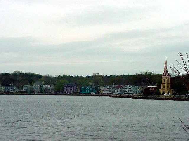 Passing through Mahone Bay, going further southwest in Nova Scotia....