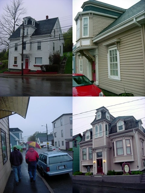 On our way to the restaurant for tonights dinner with some friends I photographed some real eastcoast building styles.