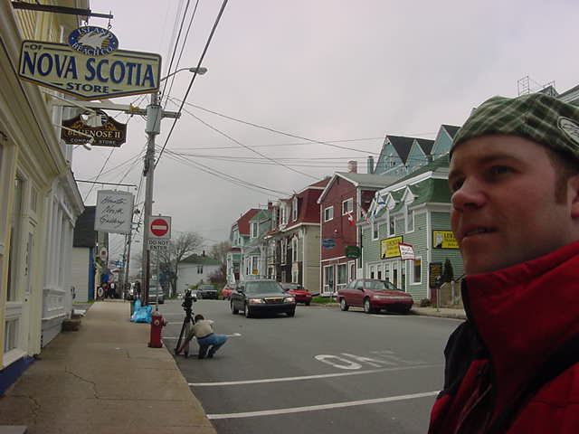 Even in the streets of Lunenburg I had to do some walking around. The camera gets installed in the background.