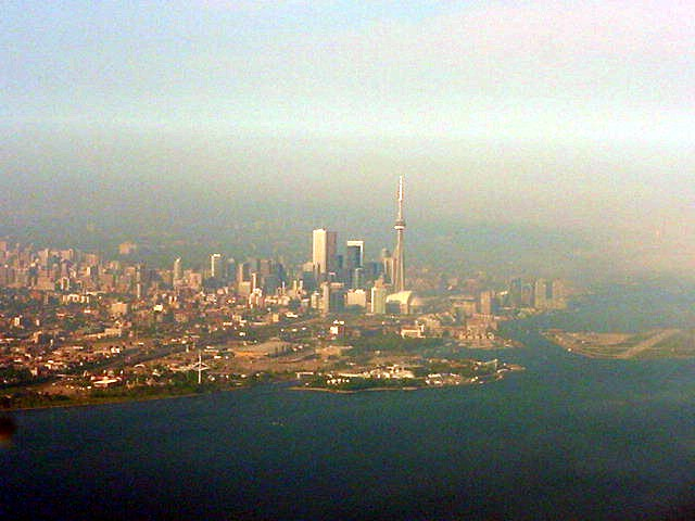 Back in Toronto we almost had to skip a quick circle around the city, because that same fog bank was about to cover Toronto Island and you can not land when it is that foggy.