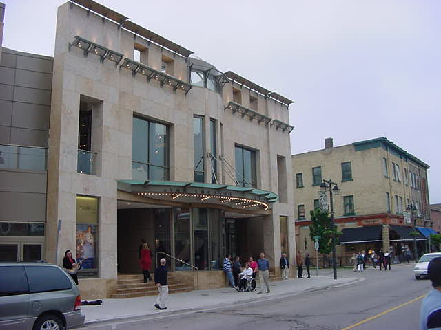 At 8 o clock exactly we had to be inside the Avon Theatre, around the corner from the restaurant. Here is where the musical named Gigi is performed here this season.
