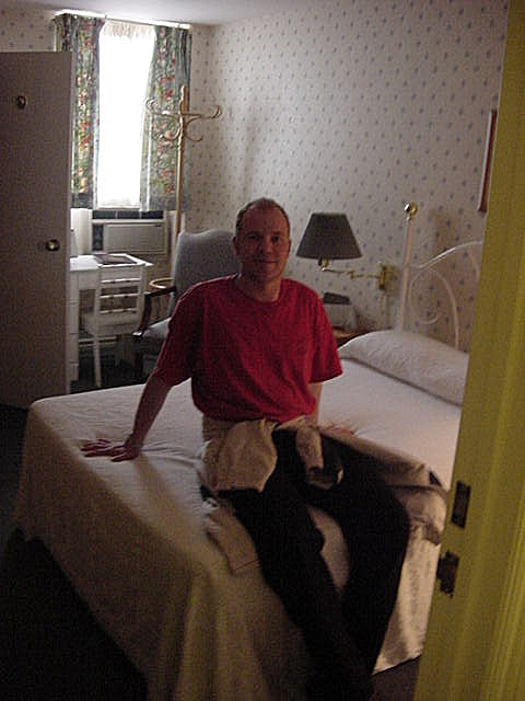 Back at the Queens Inn again, where Edward booked me this room on the third floor!